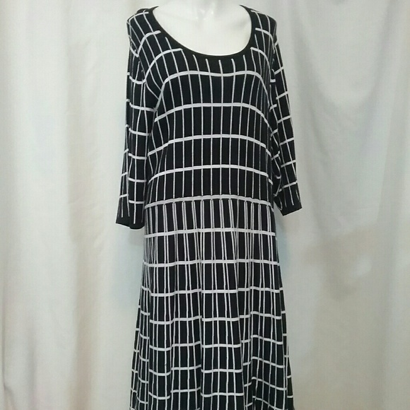 523e47d042f Lane Bryant Dresses   Skirts - Lane Bryant Geometric Print Sweater Dress so  26 28